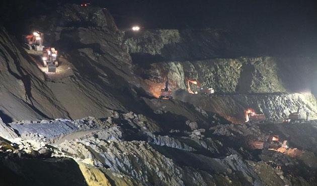 Siirt'teki maden kazasında arama çalışmaları sürüyor
