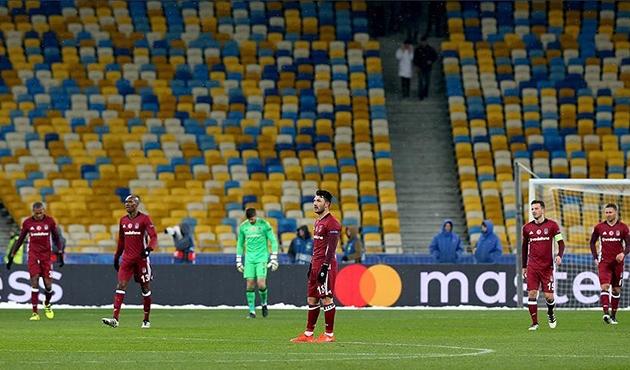 Beşiktaş Dinamo Kiev'e farklı mağlup oldu