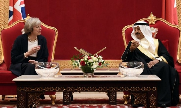 İngilizler hem İran'a hem de Körfez'e göz kırpıyor