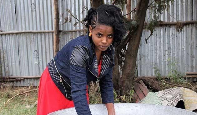 Etiyopya, yıllardır yemeden içmeden yaşayan kızı konuşuyor