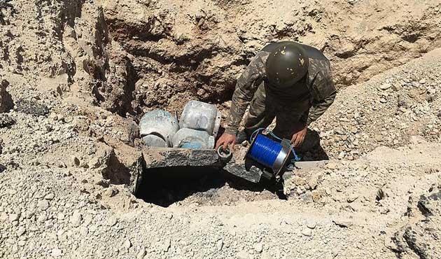 Hakkari'de iki ton amonyum nitrat ele geçirildi