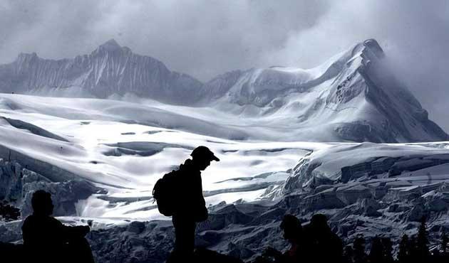 Himalayalardaki dev buzullar alarm veriyor