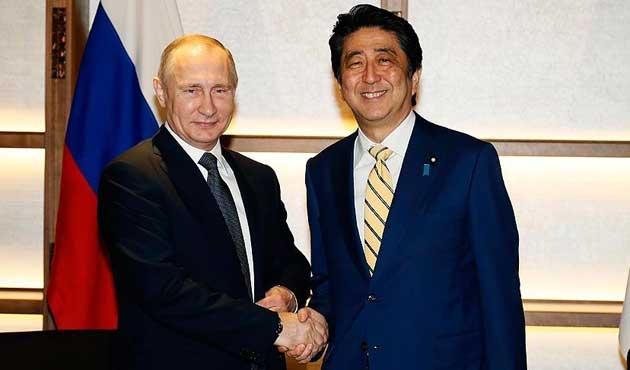 Putin'den Japonya'ya 11 yıl sonra ilk ziyaret