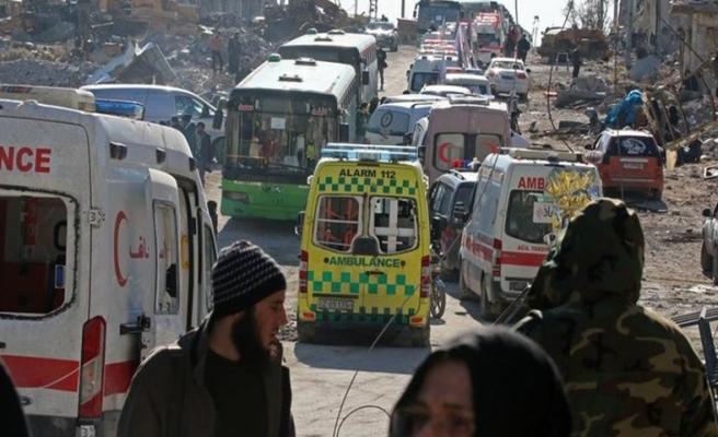 Halep'te tahliyeler durdu; konvoydakiler rehin!