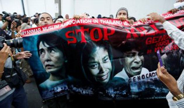 Malezya'nın Arakan'a yardım filosuna izin verilmiyor