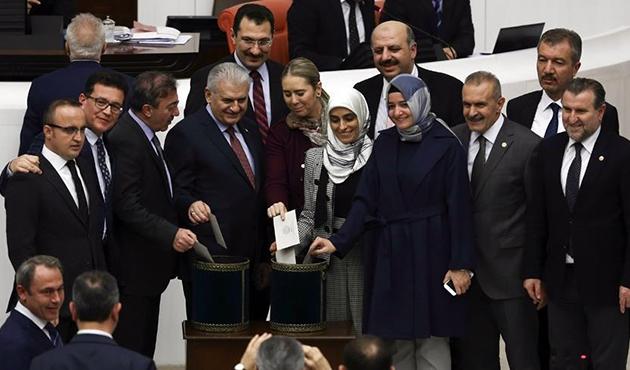 Anayasa değişikliği teklifinde 14. madde kabul edildi