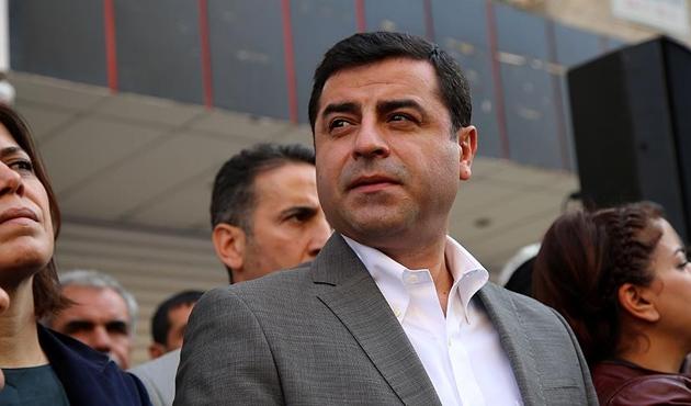 HDP Demirtaş'ı aday gösterdi