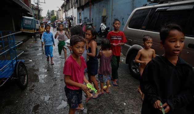 Filipinler'de ceza yaşının 9'a indirilmesi tasarısına tepki