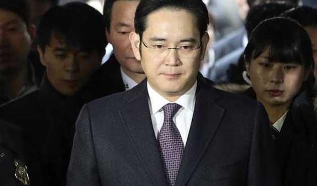 Güney Kore'deki yolsuzluk skandalı devam ediyor