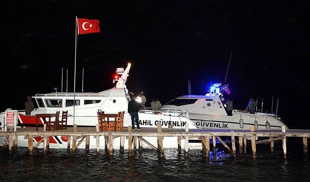 Muğla'da balıkçı teknesi battı; iki kişi kayıp