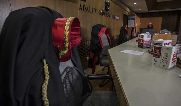 HSK kararnamesiyle 287 hakim ve savcının görev yeri değişti