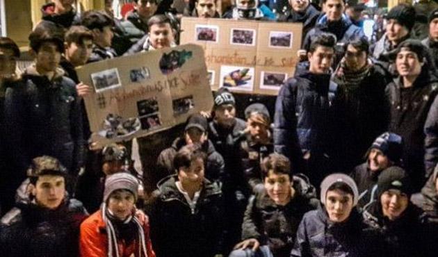 İsveç'te gösteri yapan sığınmacı çocuklara ırkçı saldırı