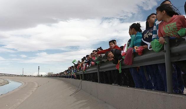 Meksika'da Trump'a 'etten duvarlı' protesto