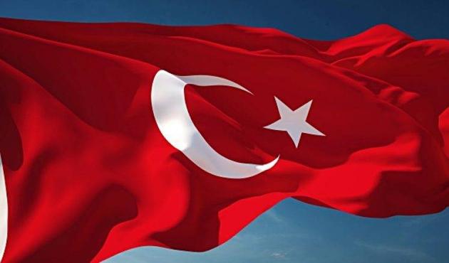 Kosova'da Türk bayrağına hakarete 3 gözaltı
