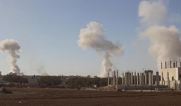 Esed rejimi İdlib'i havadan vurdu; 4 ölü