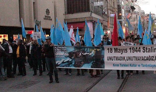 Kırım Türklerinden Kırım'ın işgali protestosu