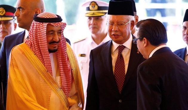 Suudi Arabistan Kralı on yıl sonra Malezya'da