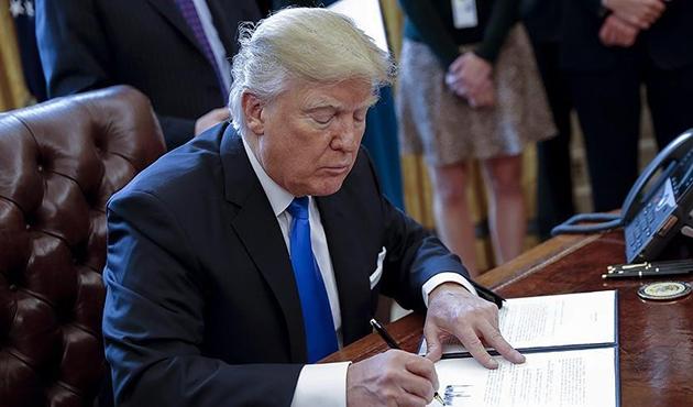 Trump Özel Kalem Müdürlüğüne İç Güvenlik Bakanı Kelly'i atadı