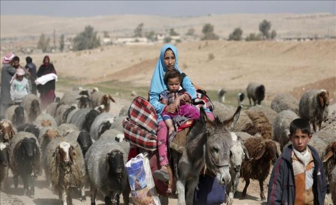 Musul'da bir günde 12 binden fazla kişi evinden oldu