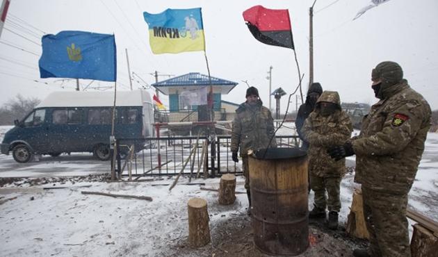 Ukrayna, Donbas'a ulaşıma kapattı