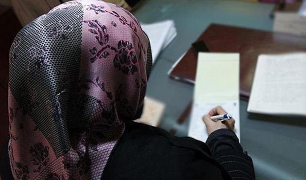 Fransa'da başörtüsü ayrımcılığına ceza