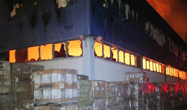 Bilecik'te Eczacıbaşı Yapı Ürünleri Tesisinde yangın