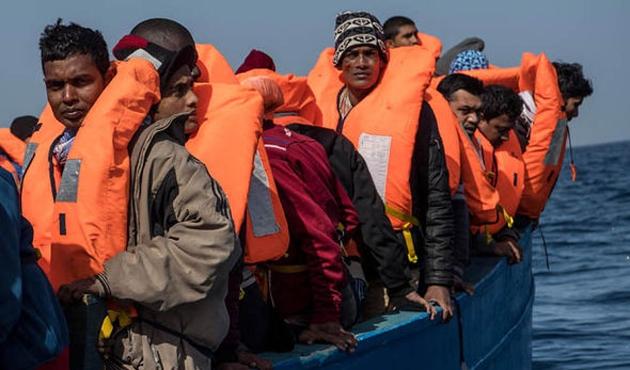 Akdeniz'de mülteci teknesi battı, 97 kayıp
