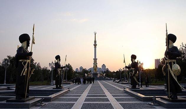 Türkmenistan alkol satışını bir ay yasakladı