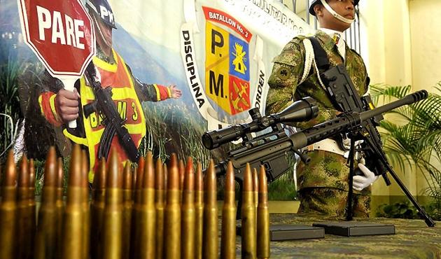 FARC silahlarının yüzde 60'ını teslim etti