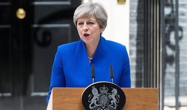 İngiltere Başbakanı May Japonya'da