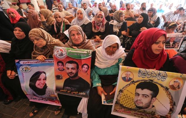 Gazze'de, İsrail hapishanelerindeki Filistinlilere destek gösterisi