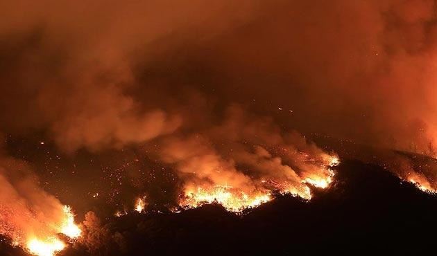 Kanada'daki orman yangını büyüyor... 37 bin kişi tahliye edildi