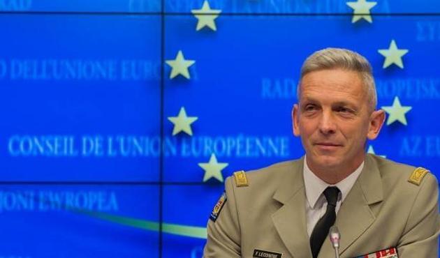 Fransa'nın yeni Genelkurmay Başkanı Lecointre oldu