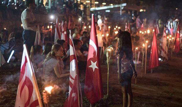 KKTC'de Yavuz Çıkarma Plajı'nda şafak nöbeti | FOTO