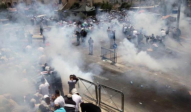 İşgal güçleri Kudüs, Batı Şeria ve Gazze'de  2 Filistinliyi öldürdü, 300 de yaralı var