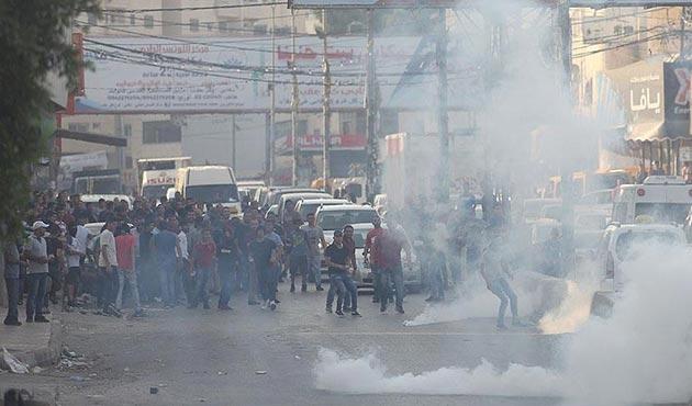 İşgal güçlerinden Filistinli göstericilere plastik mermi ve gazlı saldırı