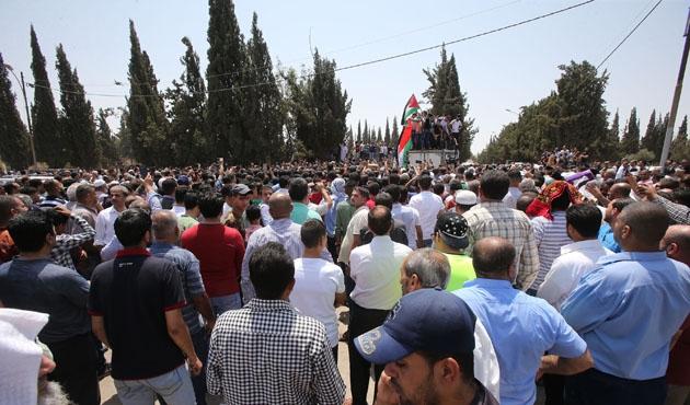 Ürdün'de İsrailli korumanın öldürdüğü sivilin cenazesinde gerginlik