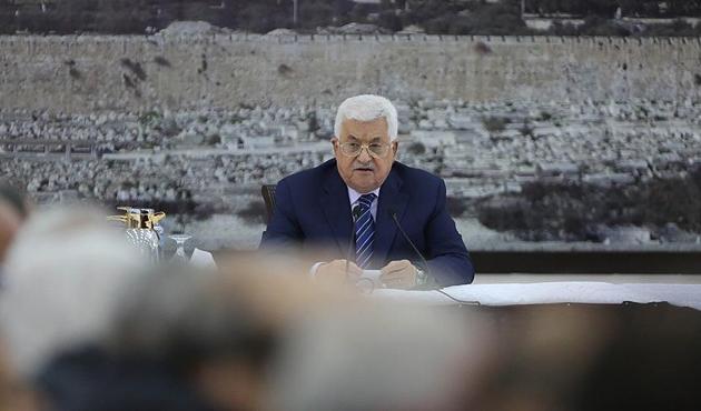 Abbas, İsrail'den izin almamak için yurt dışına çıkmayacak