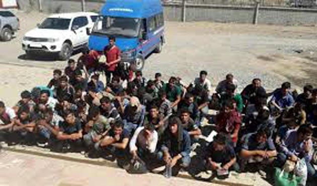 Bingöl 62 kaçak göçmen yakalandı