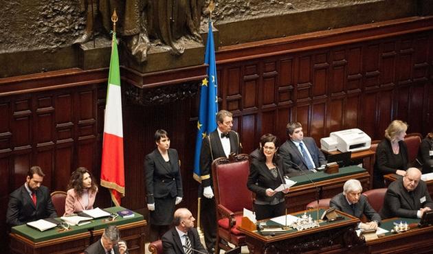 İtalya'da aşı düzenlemesi yasalaştı