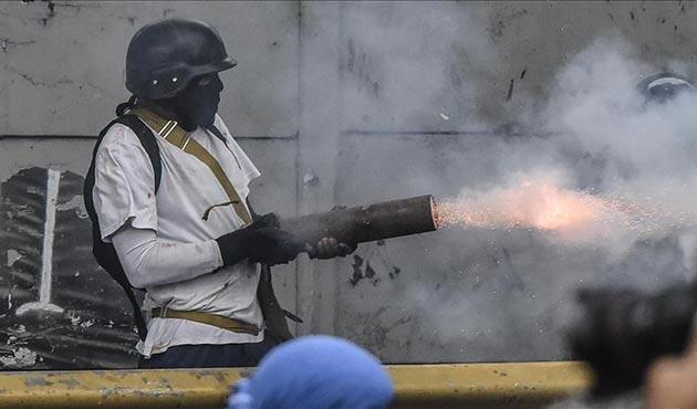Venezuela'da Maduro'nun kurucu meclis seçimine protesto