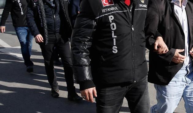 İzmir'deki El Nusra operasyonunda 8 gözaltı