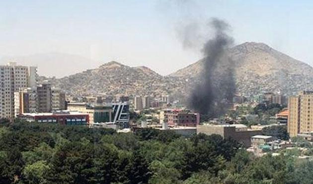 Afganistan'da Irak Büyükelçiliğine bombalı saldırı