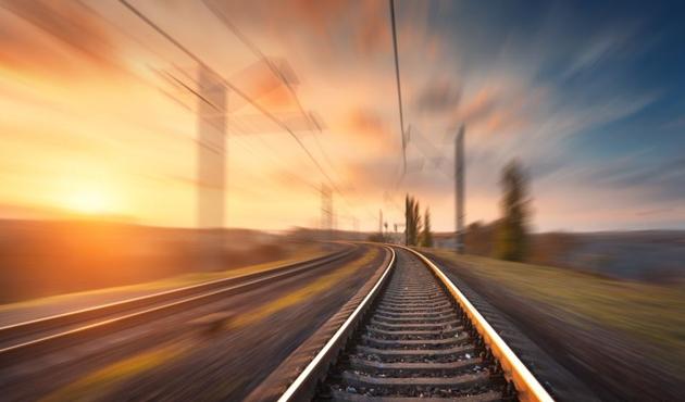 Çin'den İran'a demiryolu döşemesi ertelendi