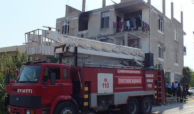 Mersin'de ev yangınında iki küçük çocuk öldü