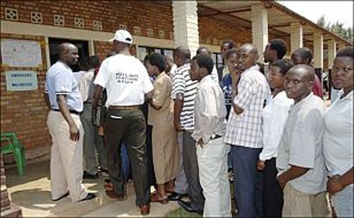 Ruanda halkı sandık başında