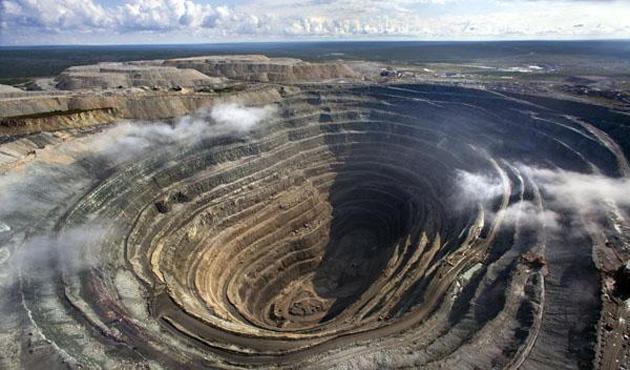 Rusya'da maden ocağını su bastı: 17 işçi mahsur