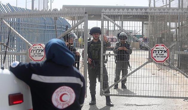 Yahudi işgalcilerin taşlı saldırısında iki Filistinli yaralandı