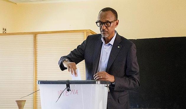 Ruanda'daki seçimde Kagame önde