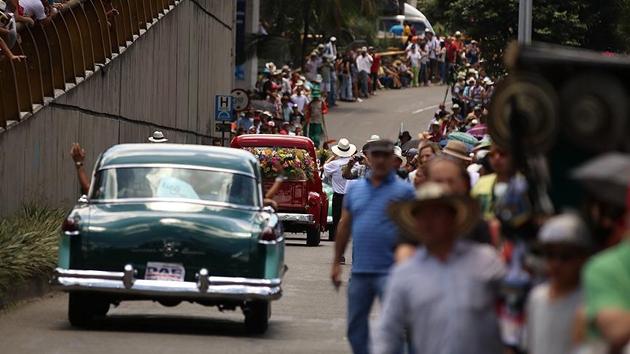 Kolombiya'da antika araba geçişine yoğun ilgi   FOTO